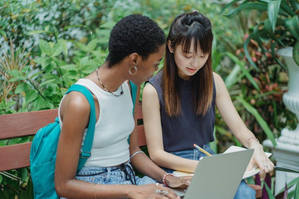 Online-Campus M24D Medicus24 Pflege Weiterbildung Online Lernen, Zertifikate erhalten Intensivpflege Darmstadt